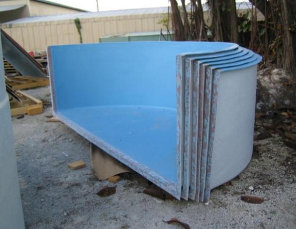 Dolphin fiberglass products inc tanks ponds for Fiberglass fish pond